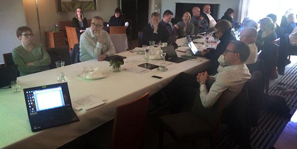 Turun kaupungin laajennettu johtoryhmä paneutui digitaalisen työpöydän saloihin lokakuun alussa.