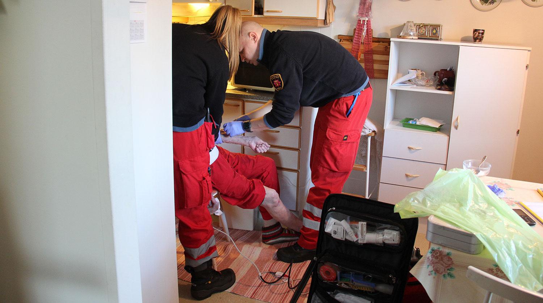 Nykyään ambulanssit ovat hyvin varusteltuja ja henkilökunta koulutettua, jotta potilaan hoito voidaan aloittaa tarvittaessa jo paikan päällä.