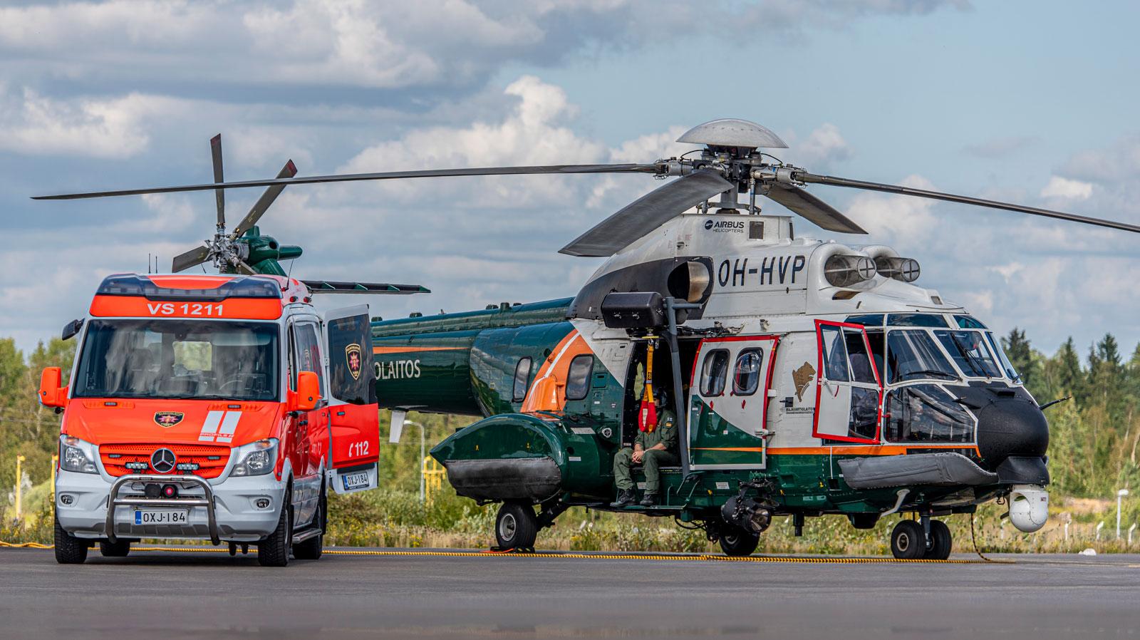 Ambulanssi ja helikopteri